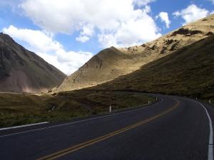 Up to La Raya Pass between Cusco and Juliaca